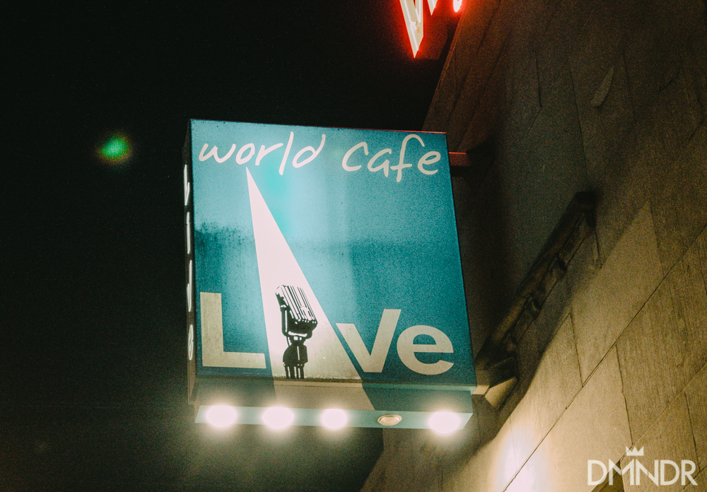 World Cafe live sign