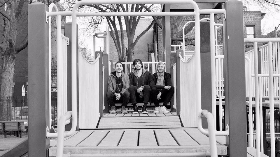 Brooklyn Indie-Funk Trio Pear Moth Drops 'Open Smile' – DMNDR
