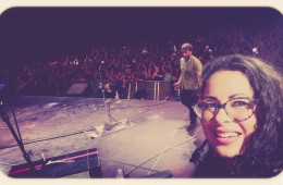 the quickest stage selfie ever